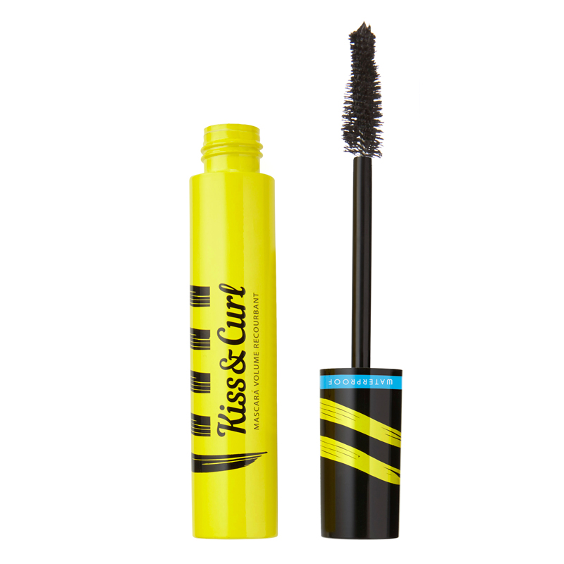 Regard de biche avec le mascara Kiss and Curl Waterproof